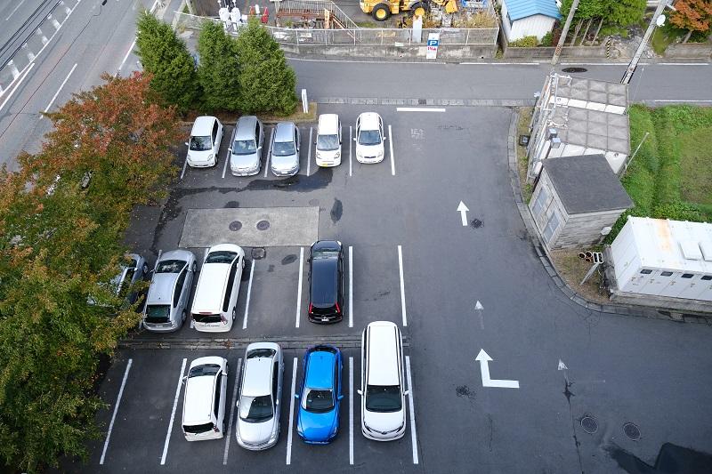 べりの駐車場